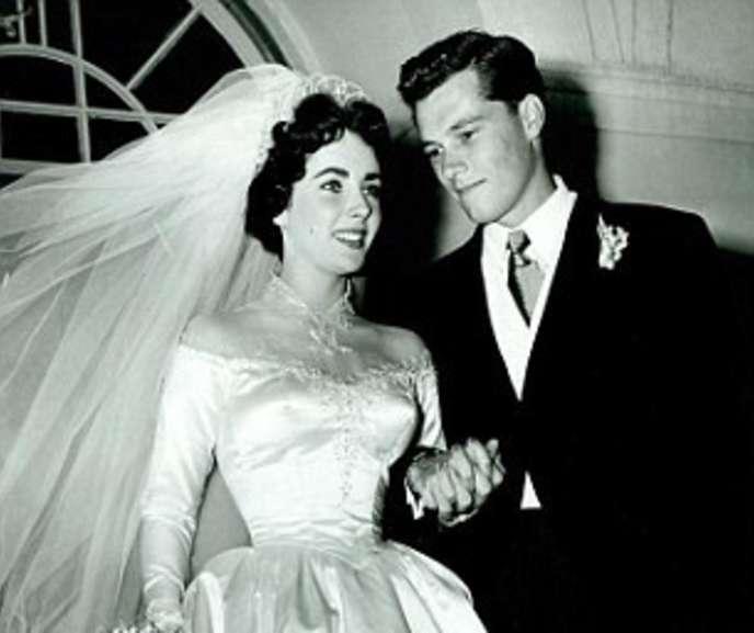 Honeymoonwithfriendstravel 39 s blog just another wordpress for Elizabeth taylor wedding dress