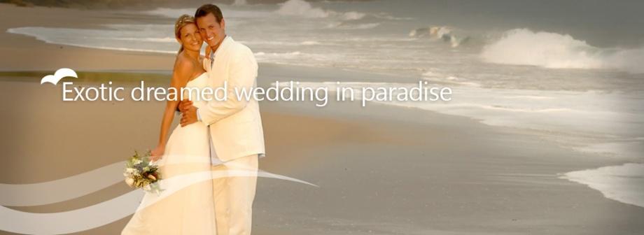 exotic-dream-wedding-paradise-couple-beach